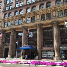 Holiday Inn Express Cleveland Downtown in Cleveland