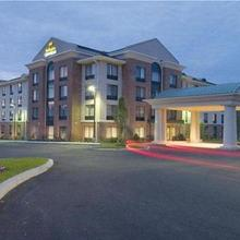 Holiday Inn Express Hotel & Suites Auburn in Worcester
