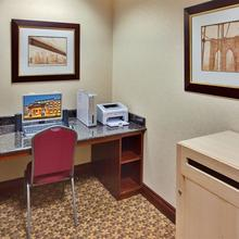 Holiday Inn Express Hotel & Suites Brockville in Brockville
