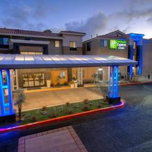 Holiday Inn Express Hotel & Suites Carlsbad Beach in Oceanside