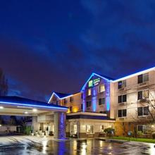 Holiday Inn Express Hotel & Suites Portland - Jantzen Beach in Portland
