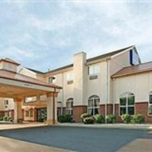 Holiday Inn Express Hotel & Suites Cincinnati-North/Sharonville in Cincinnati