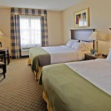 Holiday Inn Express Hotel & Suites North Bay in North Bay