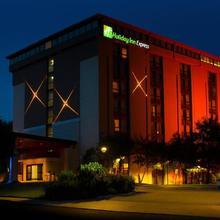 Holiday Inn Express Hotels San Antonio Airport in San Antonio