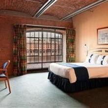 Holiday Inn Express Liverpool-Albert Dock in Frankby