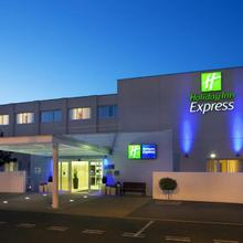 Holiday Inn Express Norwich in Yelverton