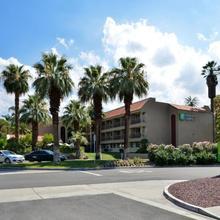 Holiday Inn Express Palm Desert in Palm Springs