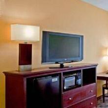 Holiday Inn Express-Western Avenue University in Colonie