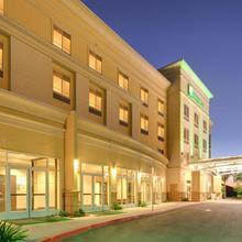 Holiday Inn Hotel & Suites Bakersfield in Bakersfield