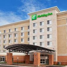 Holiday Inn Hotel & Suites Detroit Metro Airport in Inkster