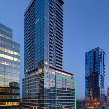 Holiday Inn Hotel & Suites - Montreal Centre-ville Ouest in Montreal