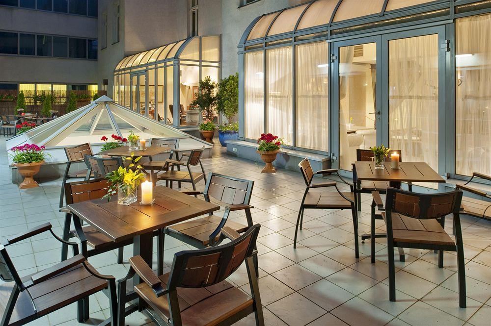 Holiday Inn Krakow City Centre in Wegrzce