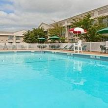 Holiday Inn Long Island-Islip Airport in Central Islip