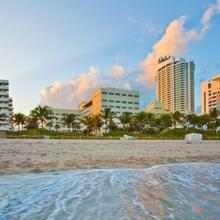 Holiday Inn Miami Beach-oceanfront in Miami Beach