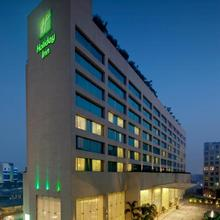 Holiday Inn Mumbai International Airport in Mumbai
