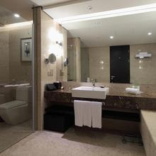 Holiday Inn Nantong Oasis International in Zhaoqiao