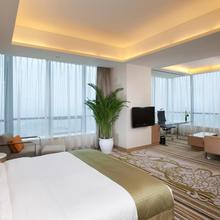 Holiday Inn Tianjin Riverside in Tianjin