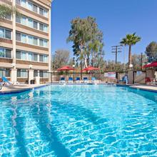 Holiday Inn West Covina in Jahrom