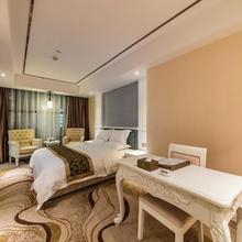 Hollyston Hotel Chunxi Rd in Chengdu