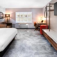Hollywood Inn Suites Hotel in Los Angeles