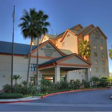 Homewood Suites by Hilton Anaheim Resort in Santa Ana