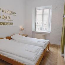 Hostel Chmielna 5 in Warsaw