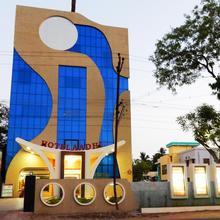 Hotel Aadhi in Kuthalam