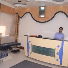 Hotel Aaditya Palace in Nimbhore Budruk