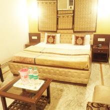 Hotel Aanandan Residency in Dehradun