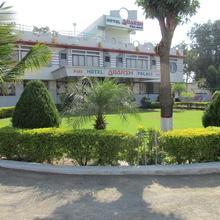 Hotel Adarsh Palace in Thasra