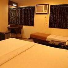 Hotel Akash in Kamrej