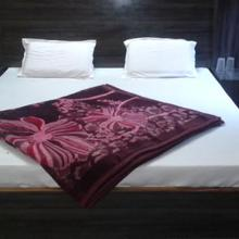 Hotel Akhil Palace in Dami