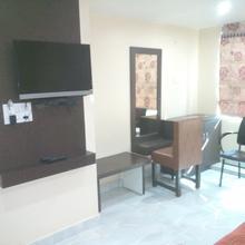 Hotel Akshat in Gangiwara