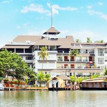 Hotel All Season in Perinad