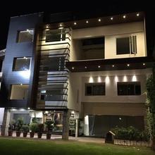 Hotel Amar Palace in Dera Bassi