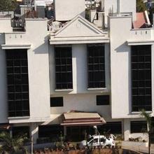 Hotel Ambaji International in Dharara