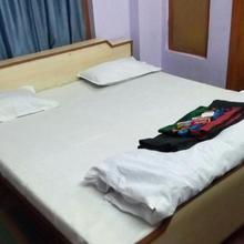 Hotel Amber in Bhua