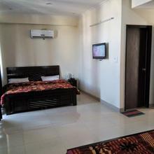 Hotel Amber Palace in Dehradun
