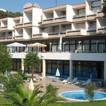 Hotel Amfora in Koromani