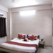 Hotel Amit Palace in Balwara