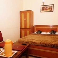 Hotel Anuj Palace in Shivpuri