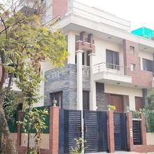 Hotel Anya Residency in Dadri