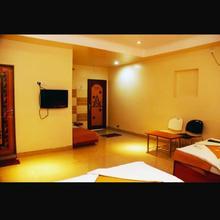 Hotel Apple Sai Residency in Shirdi