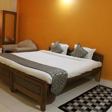 Hotel Arham Inn in Hatia
