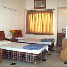 Hotel Aries in Jugial