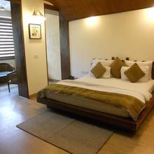 Hotel Aroma in Kharar