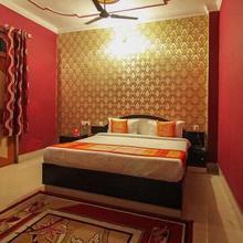Hotel Ashutosh in Mirzapur