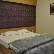 Hotel Athidi Grand in Leligumma