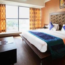 Hotel Avion Inn in Sanand