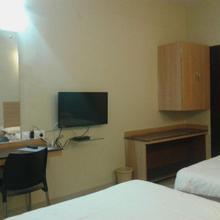 Hotel B M Shree Residency in Kardi